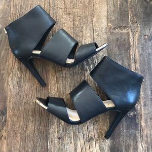 Jessica Simpson Black Leather Heel Size 8 NWOB